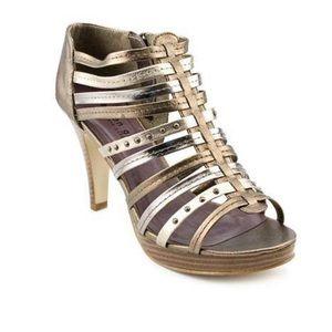Madden Girl• Kickoff Bronze Heels